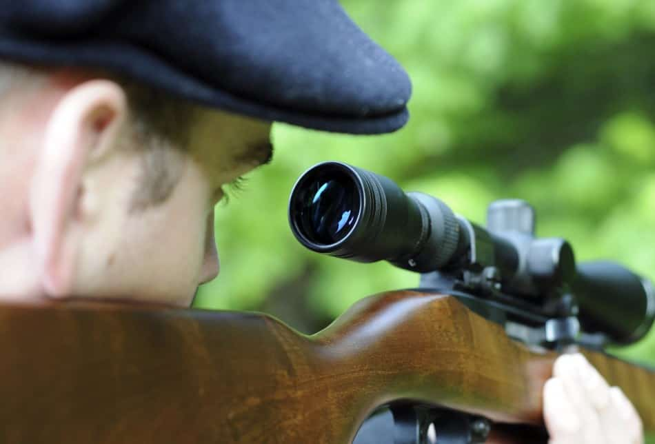 Adjusting a Tactical scope on your sniper rifle or hunting rifle