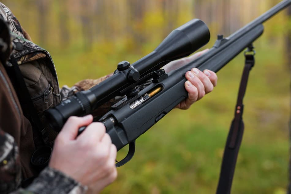 Comparing Tactical and Hunting Rifle Scopes