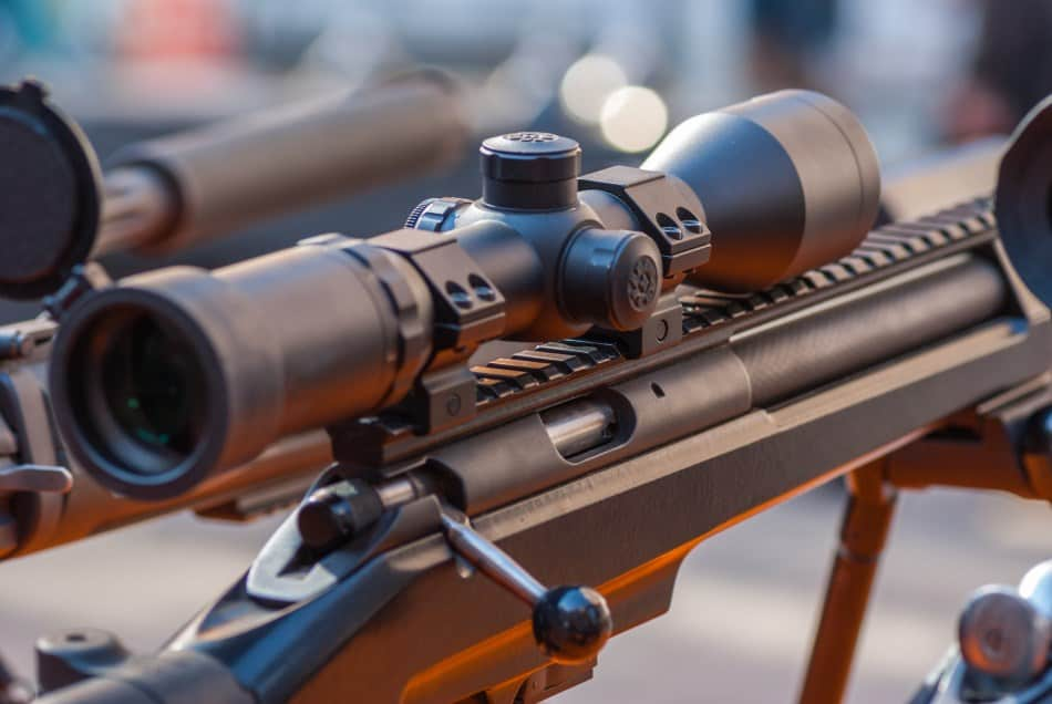 Mount types for a rifle scope